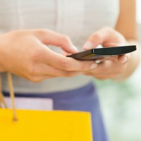 woman-mobile-shopping-virtual