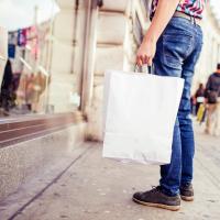 millennial - shopping